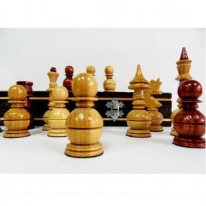 Деревянные шахматы Лакированный дуб 40 х 40 см.