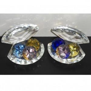 Хрустальная ракушка 11 см. с тремя кристаллами