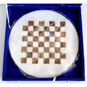 Шахматы каменные, круглые, диаметром 25 см.