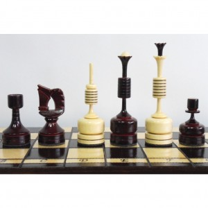 Деревянные шахматы Модерн дерево 40 х 40 см.