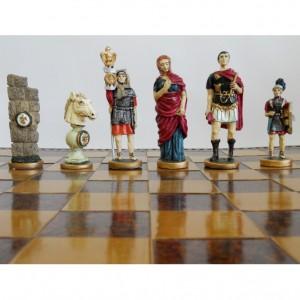 Шахматный набор из полистоуна Римляне и варвары, 45 х 45 см.