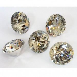 Хрустальный кристалл 5 см. с внутренним светоотражением