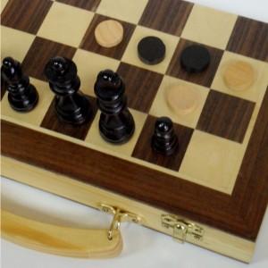 Игровой набор шахматы шашки нарды доска чемоданчик 30 см.