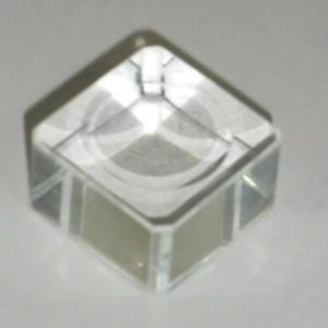 Хрустальная подставка квадратная 2,8 х 2,8 х 1,5 см.