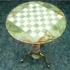 Шахматный стол с фигуами из ценного камня