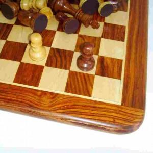 Игра шахматы Палисандр подарочный 3,25 дюйма с цельной доской 35 х 35 см.